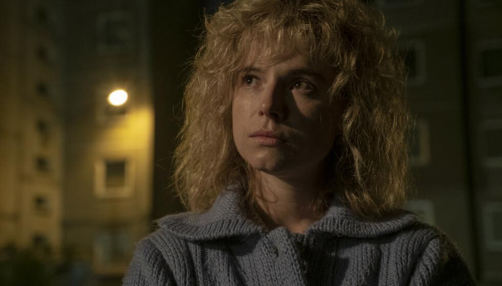 <strong>LJUDMILA IGNATENKO:</strong> Ljudmila Ignatenko, som mistet sin ektemann Vasiljev Ignatenko etter Tsjernobyl, spilles av skuespiller Jessie Buckley i HBOs miniserie «Chernobyl». Foto: HBO Nordic