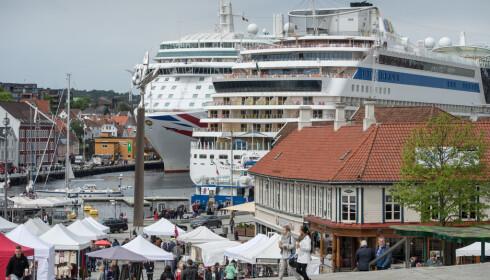 IDYLL? Cruiseskipene på besøk i Vågen i Stavanger. Foto: Jarle Aasland/Stavanger Aftenblad/NTB Scanpix
