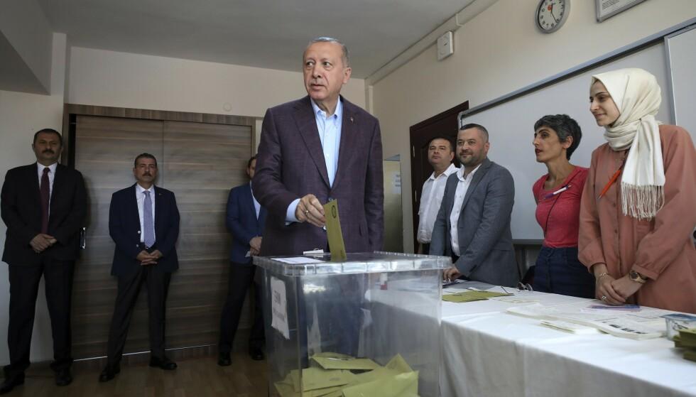 NEDERLAG. Recep Tayyip Erdogans kandidat klarte ikke å vinne. Foto: Emrah Gurel / AP