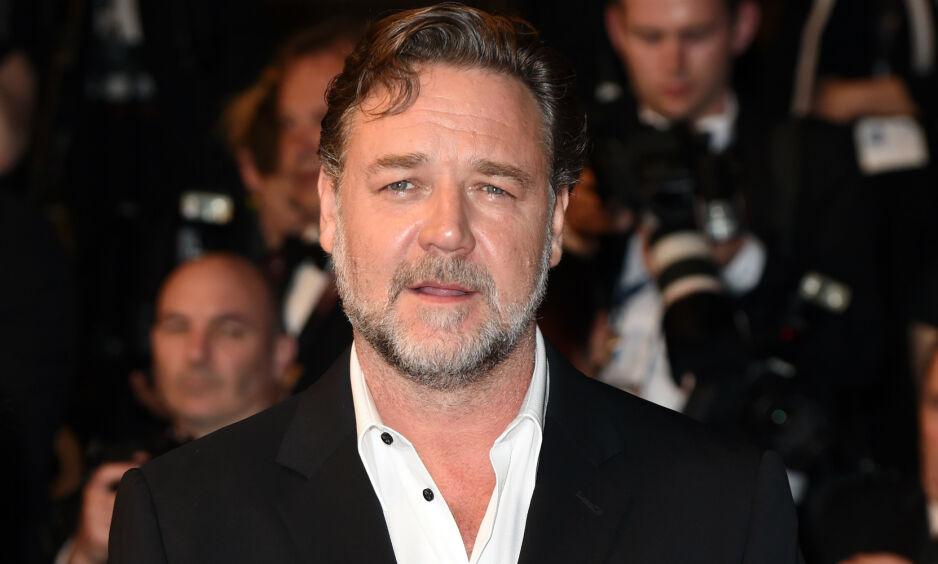 DYR KVELD: Skuspiller Russell Crowe kunne nylig fortelle om det som skulle vise seg å bli en svært dyr og fuktig kveld, da han besøkte skuespiller Leonardo Dicaprio. Foto: NTB Scanpix