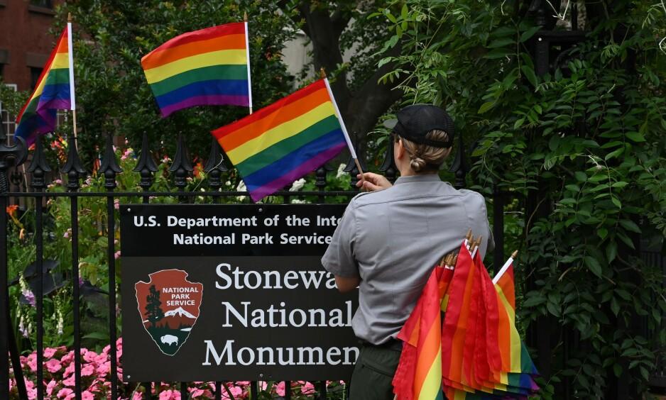 NEW YORK ER KLARE: Til helga er det bebudet rekordoppslutning under Pride-paraden i New York, 50 år etter Stonewall. Foto: NTB Scanpix