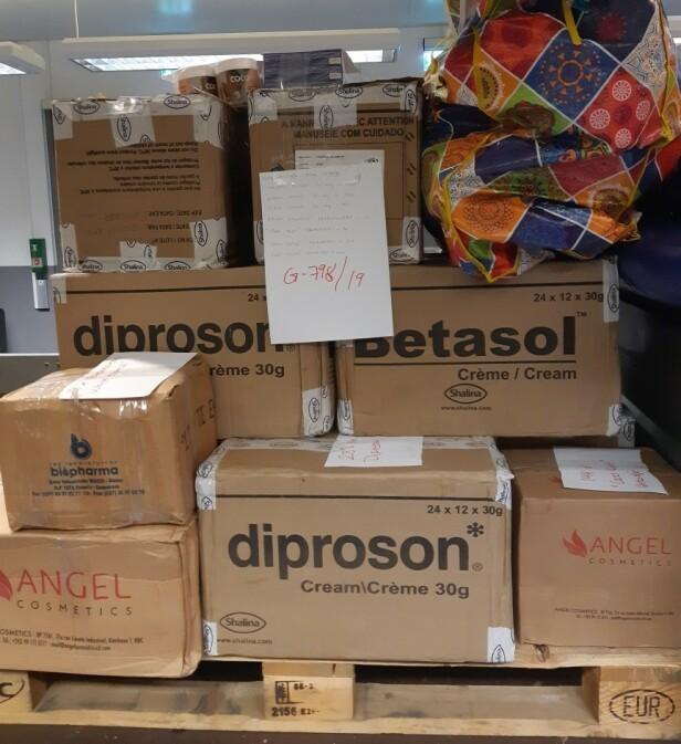 STORT BESLAG: I juni har tollerne ved Gardermoen avdekket flere forsøk på å smugle store mengder kosmetikk inn til Norge. Foto: Tolletaten