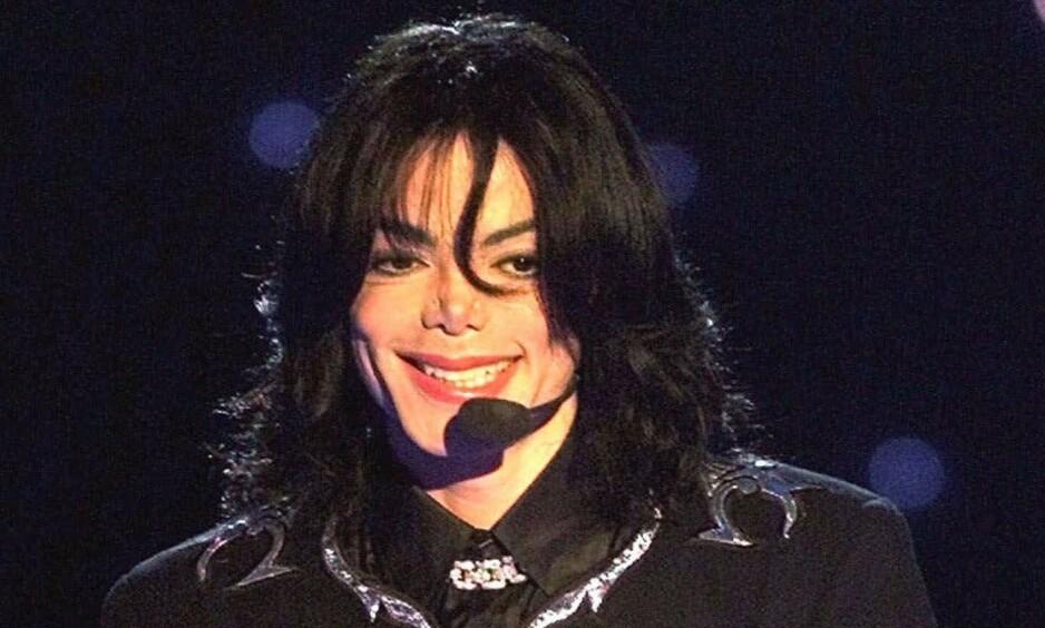 TI ÅR SIDEN DØDSFALLET: I anledning tiårsdagen for Michael Jacksons dødsfall, ble det i dag sluppet en offisiell uttalelse fra artistens bo. Her er artisten avbildet i 2001. Foto: NTB Scanpix