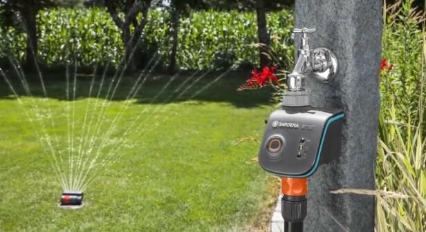 <strong>BRUK MOBILEN:</strong> Gardena vanningskontroll gir deg mulighet til å fjernstyre vanningen..