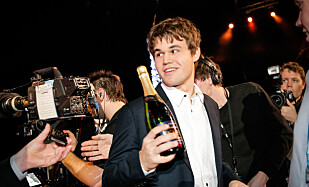 EN STUND TIL NESTE FEST: Magnus Carlsen var det store navnet på Idrettsgallaen allerede i 2014. Nå blir han neppe like kjapt invitert. Men idretten har selv noe å rydde opp. FOTO: Audun Braastad / NTB scanpix