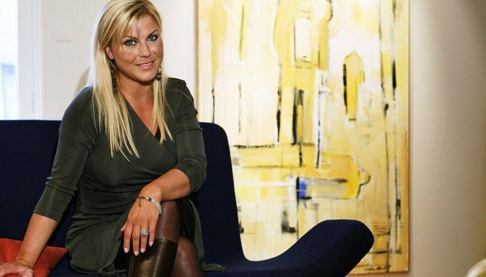 KJENT ARTIST: Josefin Nilsson gjorde suksess i Sverige på nittitallet med bandet Ainbusk. Men på samme tid opplevde hun både fysisk og psykisk mishandling fra sin tidligere kjæreste, en svensk skuespiller, hevdes det i en ny dokumentar om hennes liv. Foto: NTB Scanpix