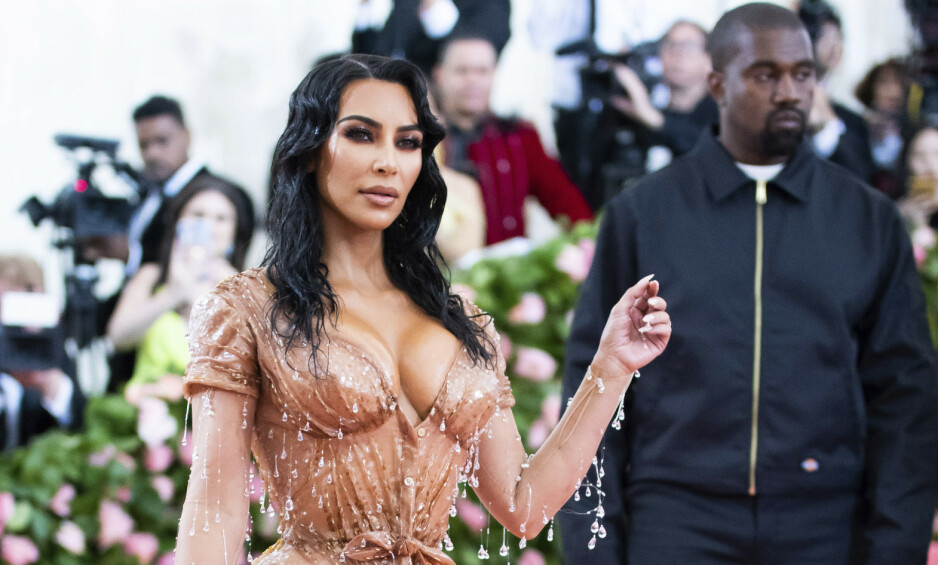 KRITIKK: Kim Kardashian West har måttet tåle mye kritikk etter at hun slapp sin nye undertøyskolleksjon tidligere denne uka. Nå svarer hun. Foto: NTB Scanpix