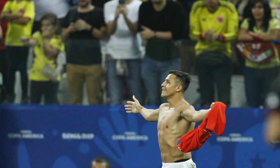 AVGJORDE: Alexis Sánchez avgjorde da oppgjøret ebbet ut i straffesparkkonkurranse. Foto: AP Photo / Victor R. Caivano / NTB Scanpix