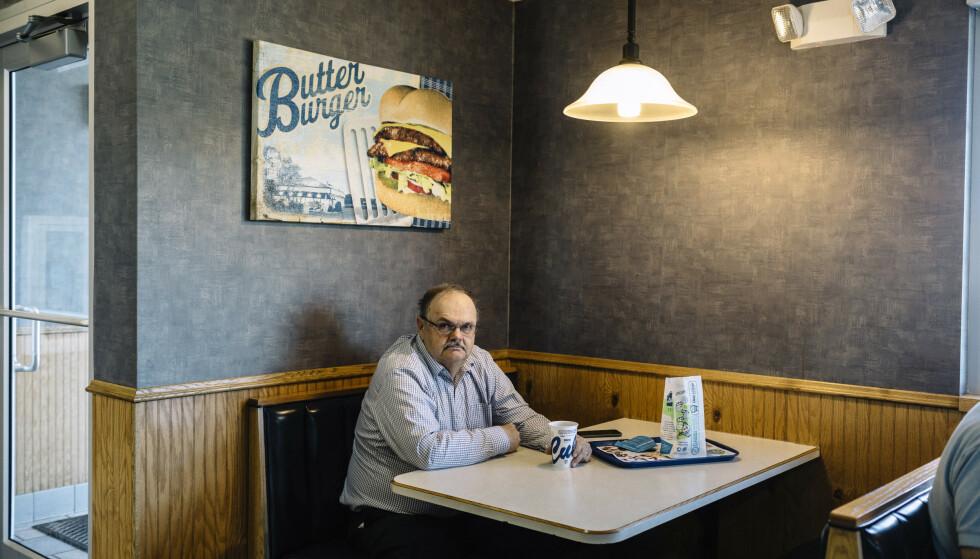 VIL BEGRENSE: Innbyggere i den amerikanske byen St. Cloud er splittet i synet på bosetting av innvandrere. John Palmers mål er å begrense bosettingen av innvandrere. Foto: William Widmer/The New York Times/NTB Scanpix