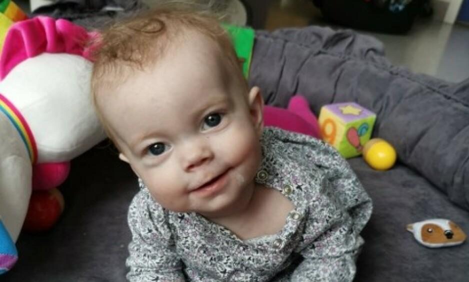 DØD: For noen uker siden døde Leonore, 13 måneder gammel. Legene har foreløpig ikke klart å konstatere hva som var galt med henne. Foto: Privat