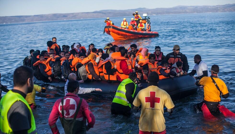 <strong>VANSKELIG Å FORSTÅ:</strong> Jeg hadde tenkt til å skrive om de 80 000 menneskene som sitter med livene på vent i håpløse leire i Hellas, og alle de tusenvis av barndommene som forsvinner fordi Europa har stengt grensene, men jeg tror ikke mennesker forstår hva det innebærer før de ser det, skriver artikkelforfatteren. Foto: Bartek Langer / REX / NTB scanpix