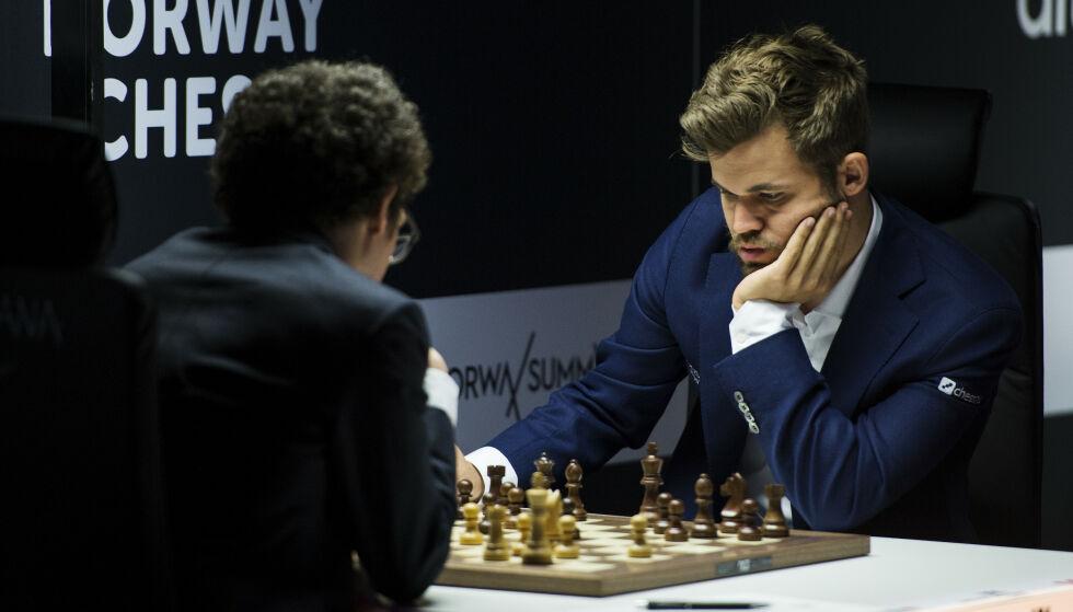 OMSTRIDT: Magnus Carlsens Offerspill SK får maksimalt 41 av potensielt 283 delegater på sjakk-kongressen i Larvik søndag 7. juli.   Foto: Carina Johansen / NTB Scanpix