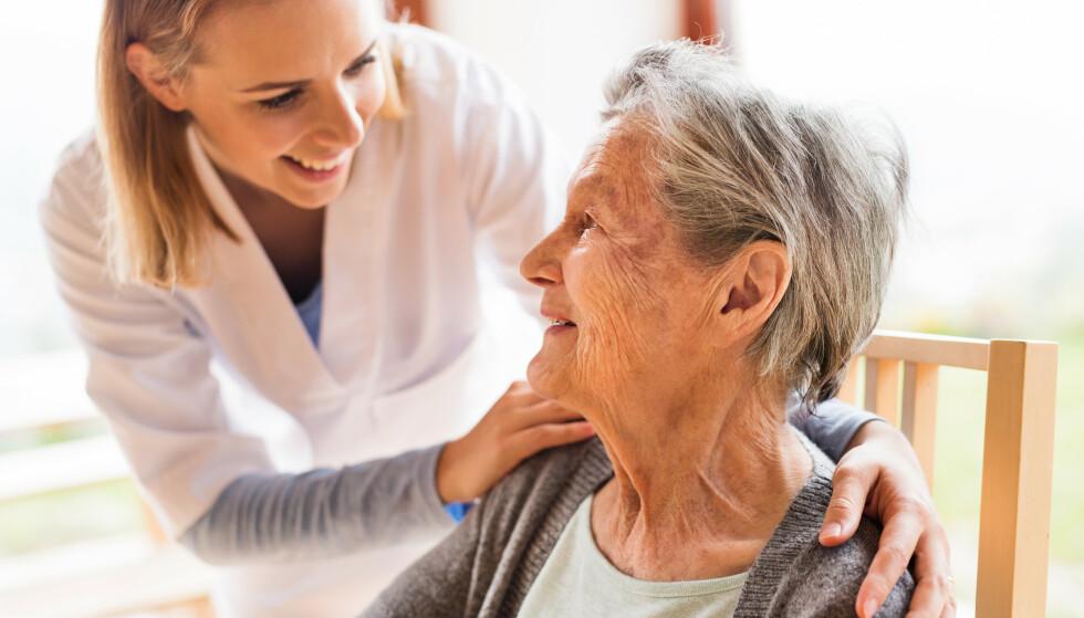 FLERE ELDRE: Det vil bli en kraftig økning i andelen eldre i samfunnet og aldersbæreevnen vil endres slik at det blir færre yrkesaktive bak hver pensjonist, skriver artikkelforfatteren. Foto: NTB scanpix