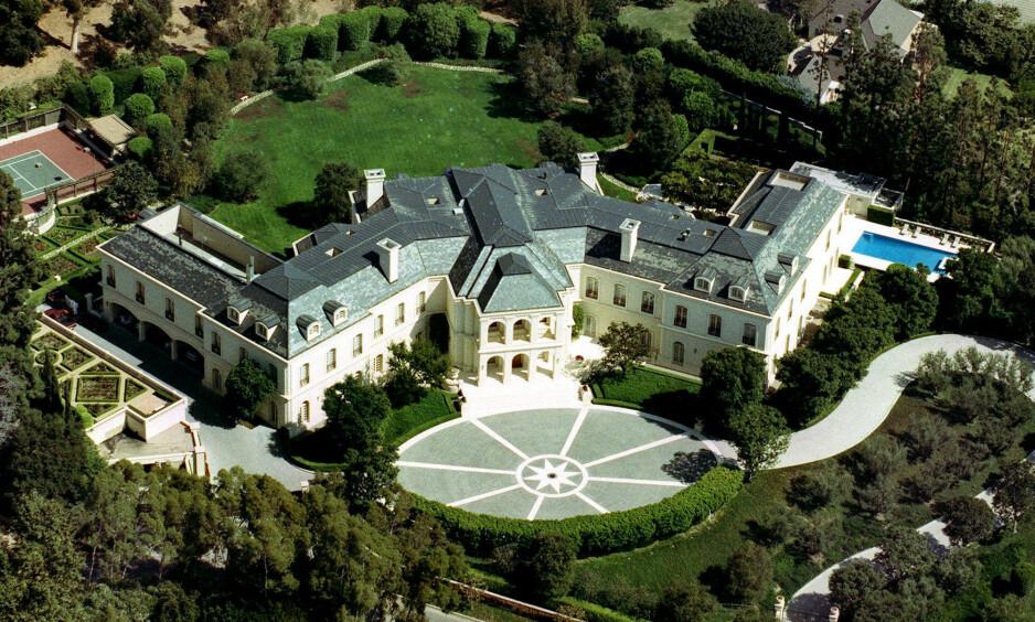 REKORDSALG: Tirsdag meldte Los Angeles Times at denne eiendommen er blitt solgt for 120 millioner dollar. Det regnes som det største salget i Los Angeles' historie. Foto: Mark J. Terrill / AP / NTB Scanpix