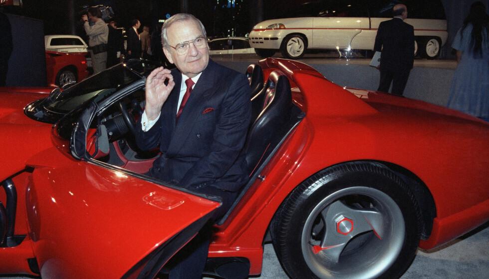 IKON: Lee Iacocca ble et ikon som mannen bak Ford Mustang og som mannen som reddet Chrysler fra konkurs. Foto: Osamu Honda / AP