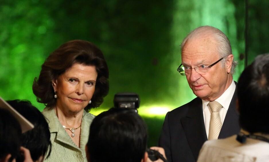 I SORG: Dronning Silvia og kong Carl Gustav er i sorg etter at deres familievenn Anki Wallenberg døde i juni. Nå forteller Wallenbergs eksmann ut om ulykken. Foto: NTB Scanpix