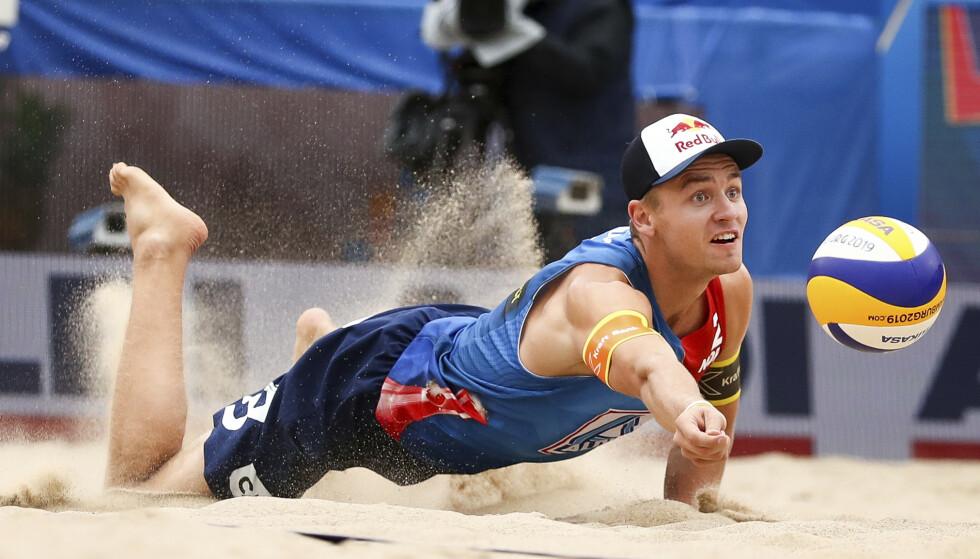 TAPTE: Christian Sørum og makkeren Anders Mol klarte ikke å nå VM-finalen i sandvolleyball. Foto: Christian Charisius / DPA / AP / NTB scanpix