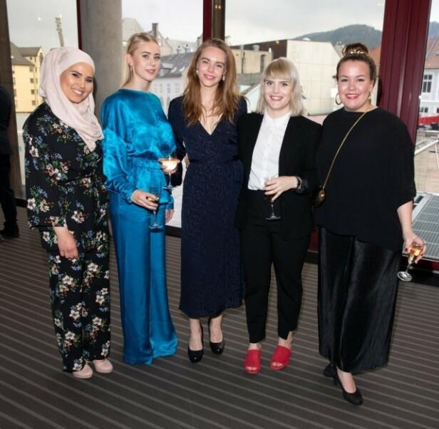 JENTEGJENGEN: Ina Svenningdal, Lisa Teige, Ulrikke Falch, Iman Meskini og Josefine Frida Pettersen under Gullruten i Bergen i 2018. Foto: Andreas Fadum / Se og Hør