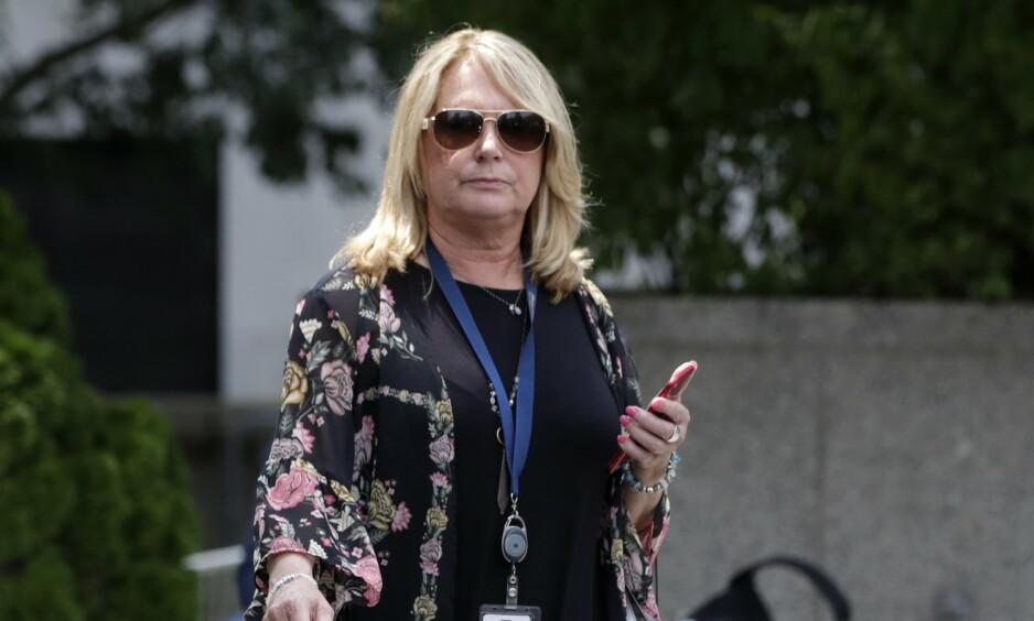 INTENS JOBBING: Julie K. Brown nektet å gi opp da hun fikk ferten av Jeffrey Epsteins angivelige ulumskheter. Foto: EPA/JASON SZENES