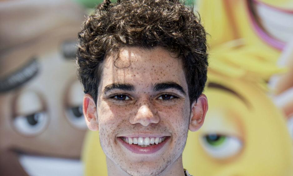 TRAGISK: Den 20 år gamle Disney-stjerna Cameron Boyce døde søndag, som følge av en medisinsk tilstand. Nå har faren delt det siste bildet av ham. Foto: NTB scanpix