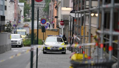 OSLO SENTRUM: Politiet rykket ut til melding om at det er avfyrt skudd i Oslo sentrum. En mann er skadd. Foto: Fredrik Hagen / NTB scanpix
