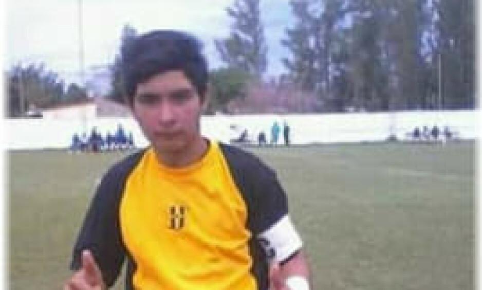 DØDE: 17 år gamle Ramon Ismael Coronel var i ekstase over strafferedningen. Så stoppet hjertet. Foto: Sitio Oficial Liga Regional Norteña De Fútbol / Facebook