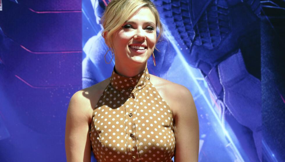 TAR AV PÅ NETTET: Scarlett Johansson, blant annet kjent fra «Avengers»-filmene, er gjenstand for en viral humorkampanje etter et kontroversielt utspill hun selv mener er tatt ut av sammenheng. Foto: NTB Scanpix