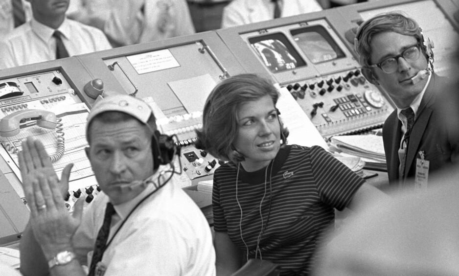 ENESTE KVINNE: JoAnn Morgan var den eneste kvinnen som jobbet i kontrollrommet da Apollo 11 ble skutt opp 16. juli 1969. Fire dager seinere landet kapselen med Buzz Aldrin og Neil Armstrong om bord, på månen. Foto: Nasa / NTB Scanpix
