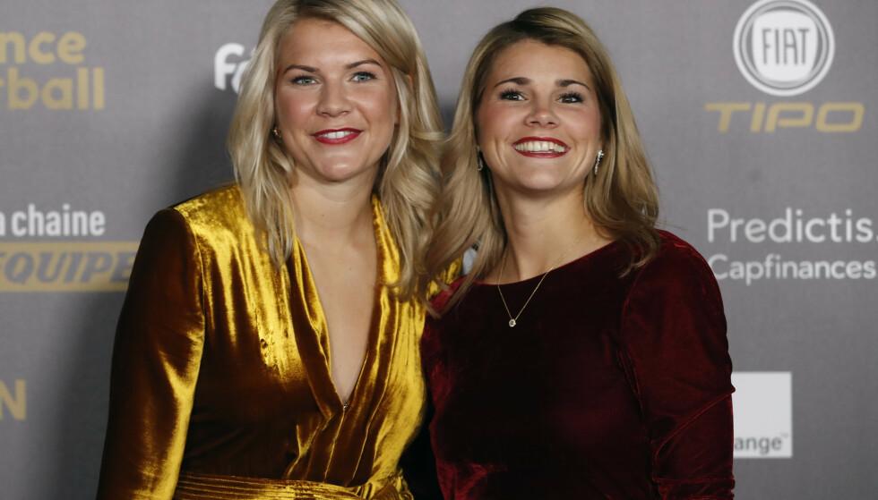 FOTBALLSTJERNE: Andrine Hegerberg (til høyre) er Markus Nebys nye kjæreste. Hun er fotballspiller, og for øvrig også søsteren til Ada Hegerberg (til venstre). Foto: NTB Scanpix