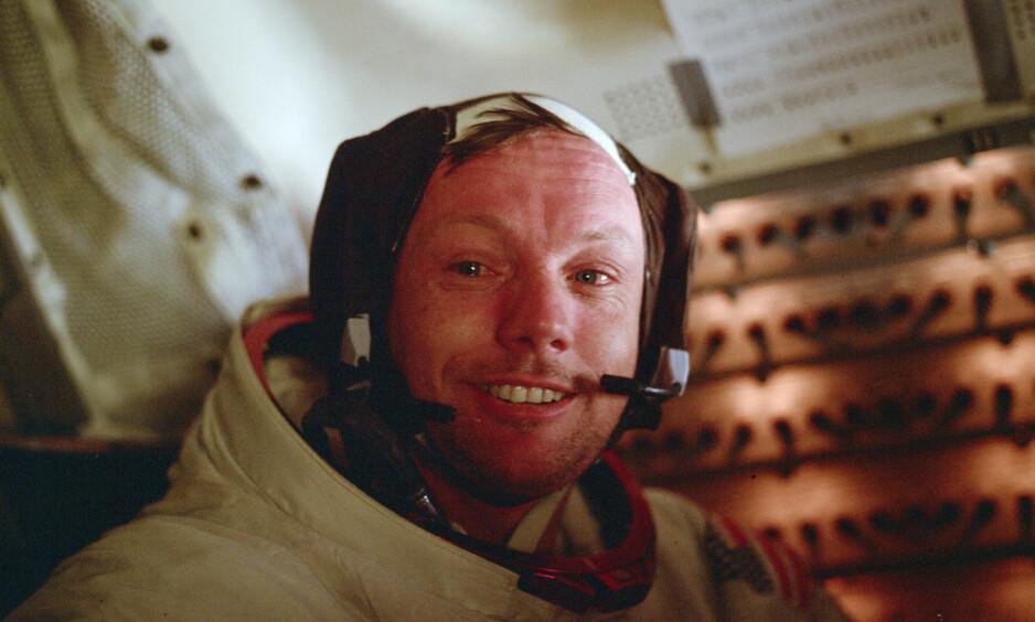 <strong>GIKK BORT:</strong> Neil Armstrong gikk bort i 2012 etter en hjerteoperasjon. Her om bord på Apollo Lunar Module i 1969. Foto: NTB Scanpix