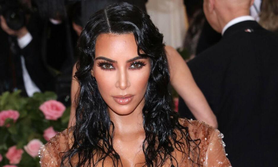 REAGERER: Den siste tida har det kommet en rekke beskyldninger mot kjendisfotografen Marcus Hyde. Nå tar Kim Kardashian bladet fra munnen om den mye omtalte skandalen. Foto: NTB scanpix