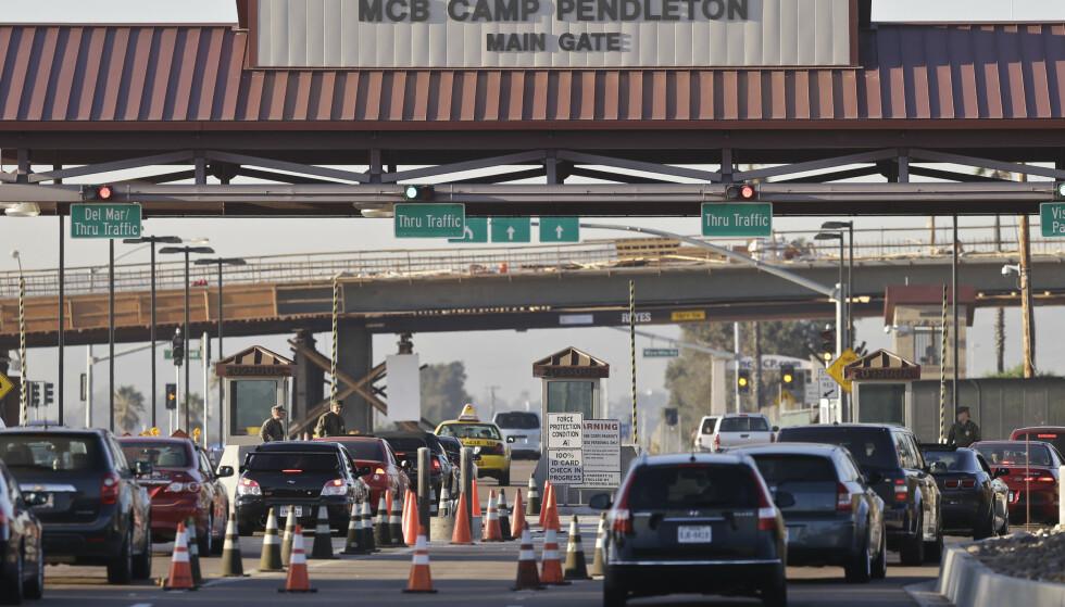 CAMP PENDLETON: 16 amerikanske marinesoldater i dag ble pågrepet under en oppstilling ved deres base på Camp Pendleton, siktet for menneskesmugling og narkotikaforbrytelser. Foto: Lenny Ignelzi / Scanpix