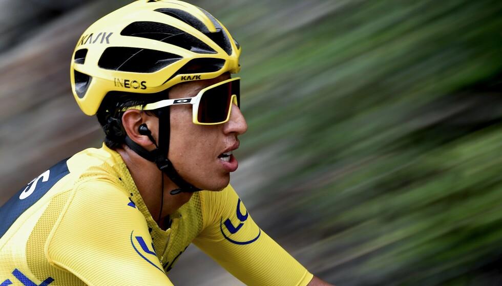 VINNER: Colombianske Egan Bernal hadde full kontroll på konkurrentene på den siste fjelletappen og sikret seg sammenlagtseieren i Tour de France. Foto: JEFF PACHOUD / AFP/NTB Scanpix