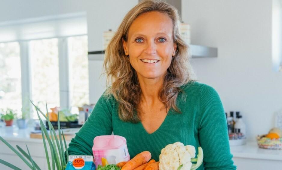 - MISVISENDE: Mataktivist og leder i «Spis opp maten» Mette Nygård Havre mener «Best før»-merkingen av ost er misvisende, og får støtte av TINE-topper. En av dem foreslår årgangsmerking som for vin. Foto: Christin Eide