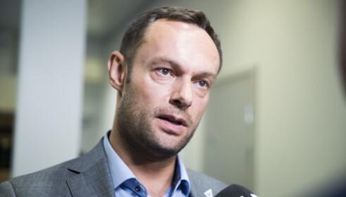 KRITISK: Torgeir Knag Fylkesnes (SV) mener regjeringen nedprioriterer rassikring.  Foto: Berit Roald / NTB scanpix