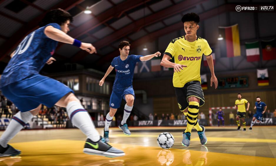 GATEFOTBALL: Jadon Sancho leder an som en ekte driblefant i VOLTA. Her ser vi Futsal-versjonen av spillmodusen. Foto: EA Sports.