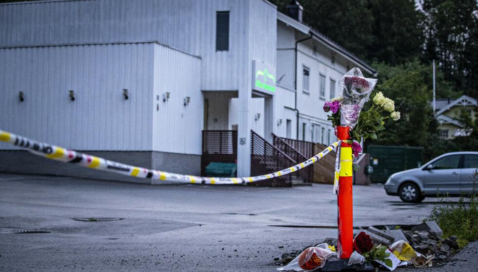 RAMMET: En 21 år gammel mann tok seg inn i denne moskeen i Bærum søndag og løsnet skudd. Foto: Bjørn Langsem/Dagbladet
