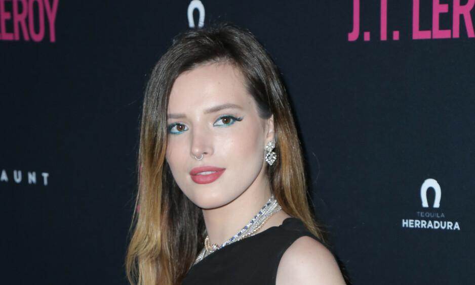 BLIR REGISSØR: 21 år gamle Bella Thorne har laget film sammen med pornografitilbyderen Pornhub. Filmen skal også vises på en festival for uavhengige filmer i Tyskland i høst. Foto: NTB scanpix