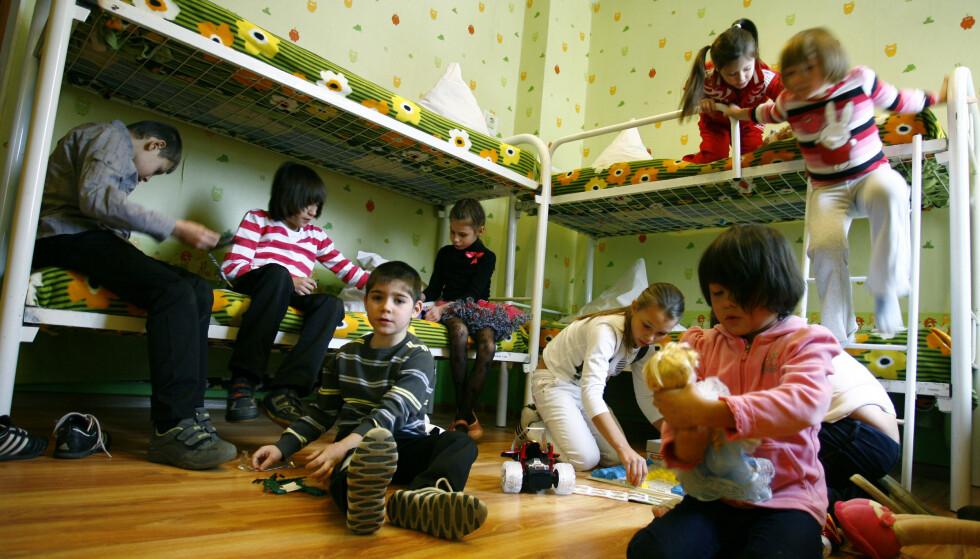 FORELDRELØSE: Russiske barnehjem er ofte overfylte. Dette bildet er fra 2012 og er ikke fra et av de barnehjemmene Aleksej har bodd på. Foto: Reuters/NTB Scanpix