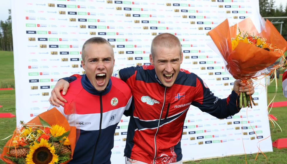 HERLIG NORSK: Dobbeltseier på første VM-løp. Junioren Kasper Fosser fulgte nesten tittelforsvarer Olav Lundanes. Men erfaringen vant igjen. FOTO: Geir Olsen / NTB scanpix