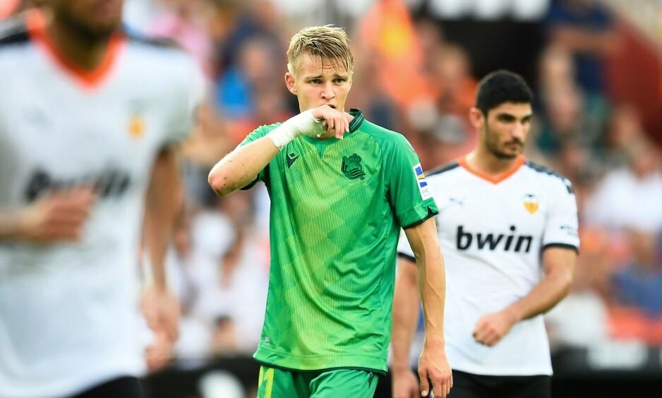 FIKK GULT KORT: Martin Ødegaard startet godt for Real Sociedad, men måtte tåle gult. Foto: NTB scanpix
