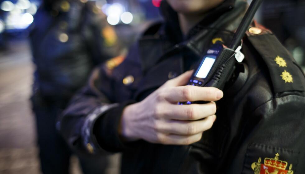BA OM TIPS: Politiet i Sør-Øst satte inn mye ressurser etter at flere vitner ringte inn om en angivelig bortføring. Etter over seks timer ble de kontakta av en ung kvinne i panikk som meldte fra om at det hele var en spøk. Illustrasjonsfoto: Heiko Junge / NTB Scanpix