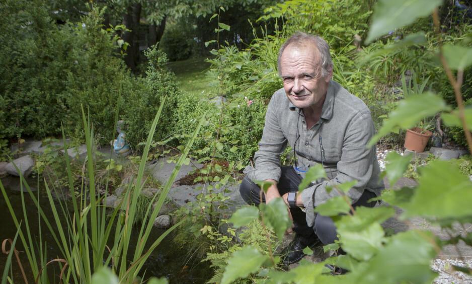 ELLING FOR ALLTID: I 20 år har Elling vært en stor del av skuespiller Per Christian Ellefsens liv. - Jeg gleder meg til å lage ny film basert på den siste boka, «Ekko av en venn», sier han til Dagbladet, når vi møter ham hjemme i hagen på Grefsen i Oslo. Foto: Anders Grønneberg