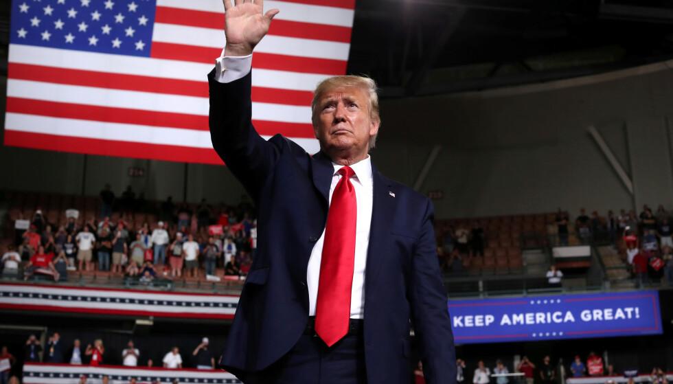 VINKER FARVEL TIL FORNUFTEN?: Donald Trump i New Hampshire i forrige uke. Foto: REUTERS / NTB Scanpix