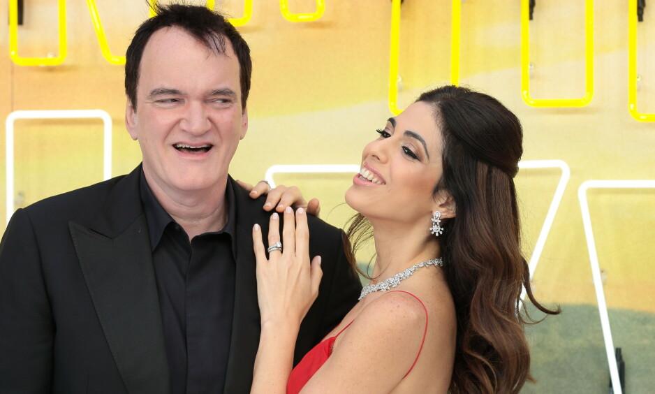 VENTER BARN: I fjor giftet stjerneregissøren Quentin Tarantino seg med den israelske sangeren og modellen Daniella Pick. Foto: NTB Scanpix
