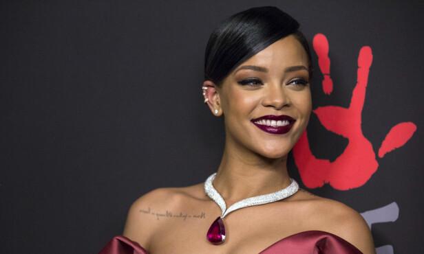 THE HOST: Rihanna på den røde løperen under «Diamond Ball» i 2014. Foto: NTB Scanpix