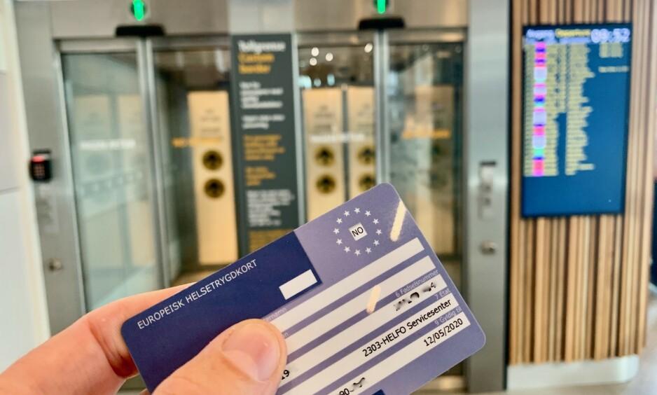 På ett kort: Helsetrygdkortet bør være med på alle reiser i Europa. Men det blir lite verd dersom Storbritannia velger Brexit uten avtale. Foto: Odd Roar Lange/The Travel Inspector
