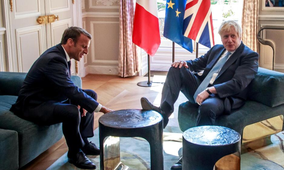 MØTTES TIDLIGERE: Frankrikes president Emmanuel Macron og Storbritannias statsminister, Boris Johnson, under et tidligere møte i Paris i august. Foto: Christophe Petit Tesson/Pool via REUTERS
