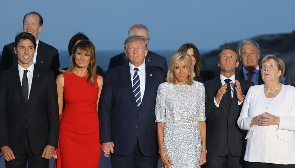 <strong>MEKTIG GJENG:</strong> Situasjonen var ikke så romantisk som bildene tilsa. Her poserer flere av statslederne sammen. Fra venstre ser vi Justin Trudeau, Melania Trump, Donald Trump, Brigitte Macron, Emmanuel Macron og Angela Merkel. Foto: NTB scanpix