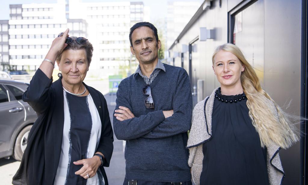KRISE: Fagforbundets leder Mette Nord blir berørt når Iqbal Singh og Linda Merte Svela forteller om livet som deltidsansatt helsefagarbeider. Foto: Lars Eivind Bones. - Vi har en krise, sier Nord.